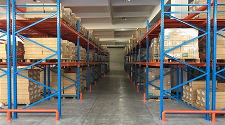 找仓储货架厂家定制二层货架需要注意这些细节