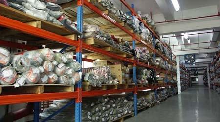 布匹是否可以使用横梁式货架仓储货架存储?【易达货架】