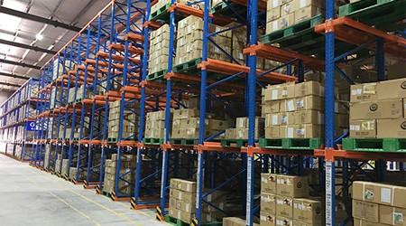 广州重型仓储货架如何实现仓库利用最大化?