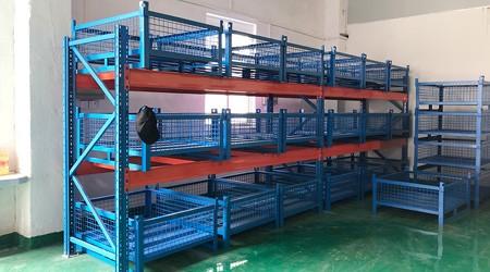 清远横梁式重型货架可以搭配哪些仓储设备使用?【易达货架】