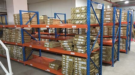汽配厂产品规格多,应该采用广州仓储货架生产厂家的哪些仓库货架?