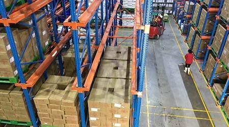 企业使用食品工业仓库货架如何更好管理仓库