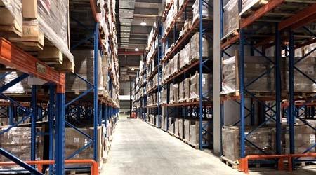 影响大型仓库货架生产厂家货架安全使用6大核心