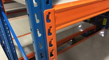 中山物流仓库货架简单辨别质量好坏的方法
