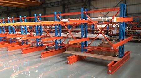 佛山钢制仓储货架如何存放板材?