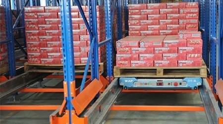 冷库货架穿梭车式货架存取货效率有多高?【易达货架】