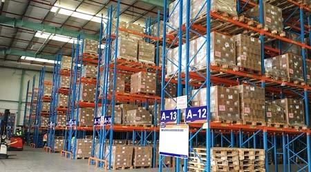 托盘货架重型货架可以承载多重的货物?