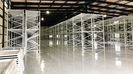 家具仓库货架安装在非常干净的仓库是什么感觉?
