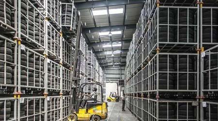仓储重型货架制造企业货架变形如何修复?【易达货架】