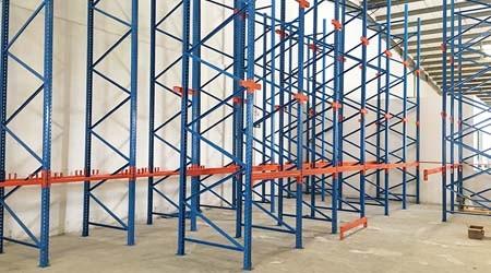易达汕头仓储货架生产商驶入式货架项目安装现场【易达货架】