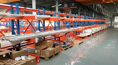 广州仓库货架的托盘可以放悬臂式货架上使用吗?