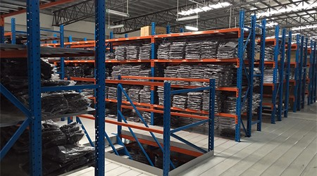 多高的仓库可以定制惠州阁楼式仓储货架?