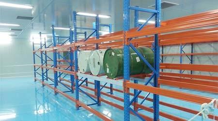 塑料桶适合用哪种仓储货架仓库货架?【易达货架】
