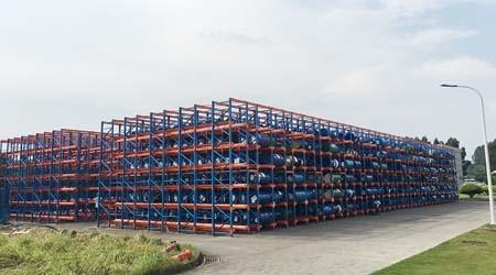露天的塘厦重型仓储货架如何避免被雨水冲刷生锈
