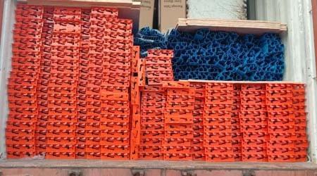 东莞重型货架生产厂家出口智利的托盘货架装柜发货了【易达货架】