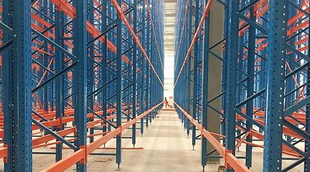 佛山仓库货架厂家如何防止仓储货架变形?