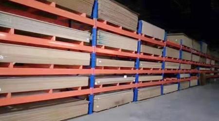 实木茶具板用仓库货架如何存储?重型层板货架厂家支招【易达货架】