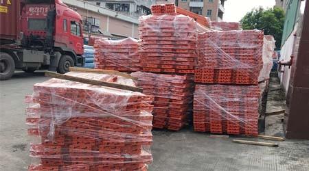 广州驶入式仓储重型货架装柜出口【易达货架】