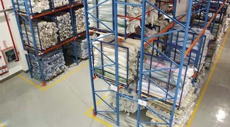 布匹存储货架使用2.5米叉车需要多大的通道?【易达货架】