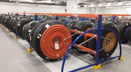 定制轮胎货架工厂产品多久能报价?【易达货架】