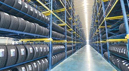 茂名仓储轮胎存放货架可调升降吗?【易达货架】