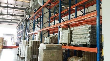 东莞塘厦仓储货架定做厂单排货架摇晃的原因【易达货架】