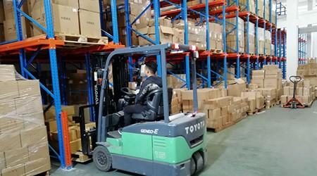 仓库工作人员必知的重型仓库货架使用注意事项