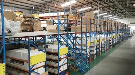 大朗阁楼式仓储货架做好布局让仓储能力翻倍【易达货架】