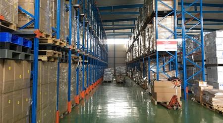 佛山仓储货架供应商驶入式货架的优点【易达货架】