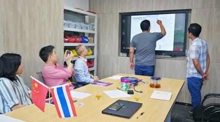 泰国客户来易达广州立体仓储货架公司采购托盘货架[易达货架]