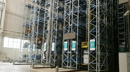 钢平台重型货架公司安装完会培训吗?【易达货架】