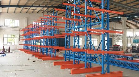 东莞悬臂式仓储货架可以为企业解决哪些存储难题?