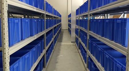 货架仓储架生产厂家小件货物用什么仓库货架存放?【易达货架】