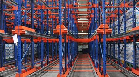 佛山仓库货架定做厂家和你探讨冷库使用哪些仓储货架投资回报率更高