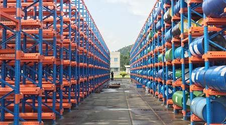 空油桶堆放货架可以使用哪些仓库货架类型?【易达货架】