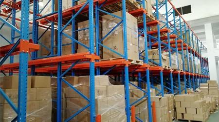 贯通式货架仓储货架一般什么颜色?【易达货架】