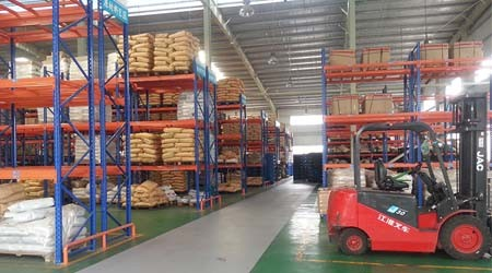 广州库房货架厂托盘式货架在物流行业的优势[易达货架]